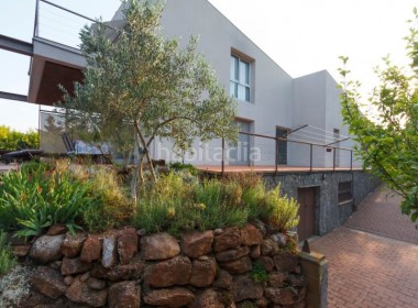 jardin-y-trastero-chalet-vacarisses_500-img3060091-16442198G
